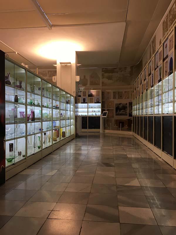 salgó polcrendszer raktáriállvány raklapos múzeum